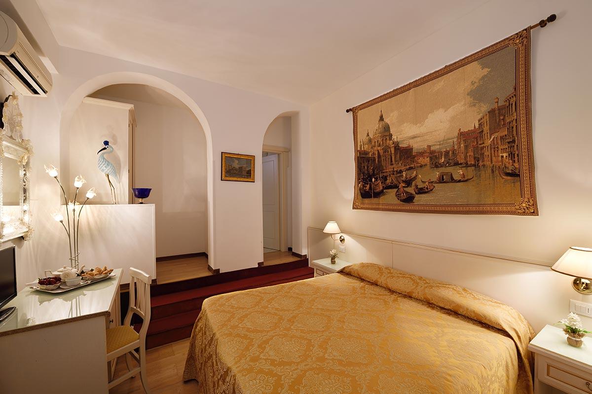 Classic Hotel Room | Corte dei Greci Venice