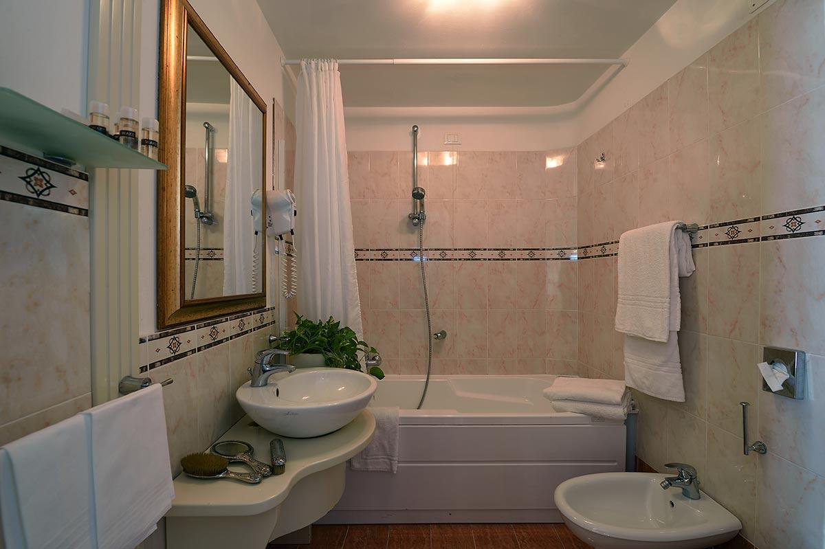 Bathroom | Hotel Corte dei Greci Venice